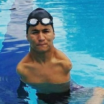 Paralympic Swimmer Mohammad Abbas Karimi Brings Hope to Refugees